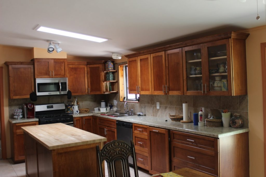 Gustafson Kitchen Cabinets - Maple with Candlelite Gel Stain
